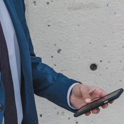 How Mobiles are Good for Business Deals