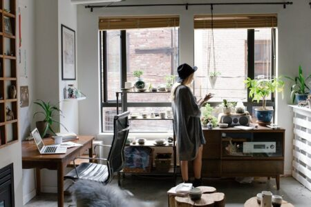 How to maintain productivity by working from home?